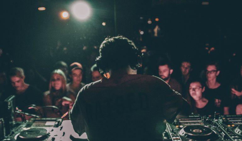 Trouver une boite de nuit hip-hop à Paris
