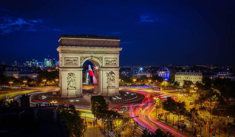 Découverte des boites de nuit aux Champs-Elysées